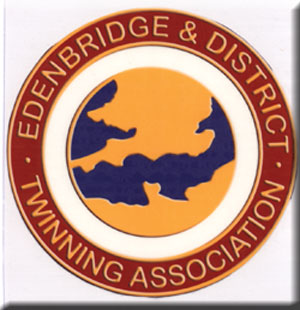 Edenbridge and District Twinning breast pendent